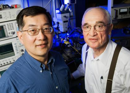 Feng, Holonyak invent transistor laser