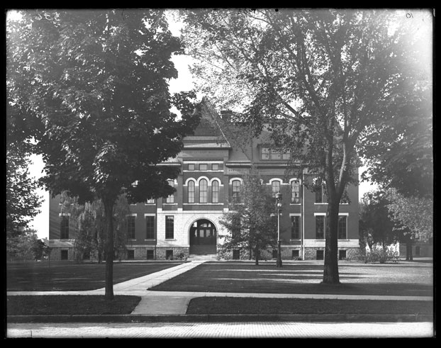 Natural History Building, 1903. Credit University Archives.